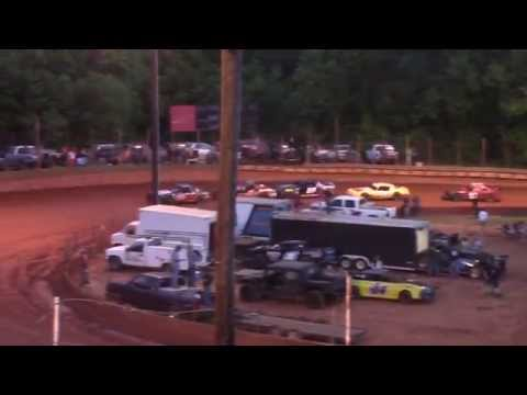 Winder Barrow Speedway Stock Eight Cylinder Feature Race 5/16/15