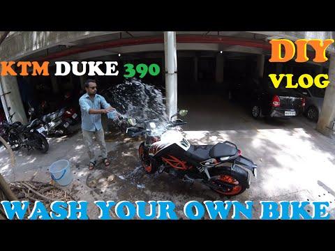 Wash your own BIKE | Lube the Chain | DIY | KTM DUKE 390 | WanderSane