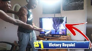 I MADE MY DUOS PARTNER SMASH HIS TV AFTER UNPLUGGING HIS WIFI! Fortnite Prank *GONE WRONG*