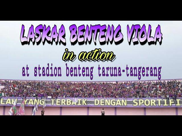 Antusiasme suporter persita di stadion benteng taruna-tangerang