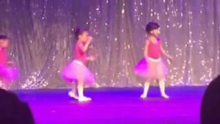 Apresentação da Agatha no Ballet ( A Valsa da Bailarina )