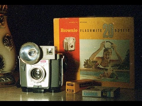 1960 Kodak Brownie Flashmite 20 film camera