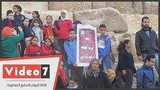 بالفيديو.. مسيرة «فى حب مصر» بالزى الفرعونى فى الأهرامات