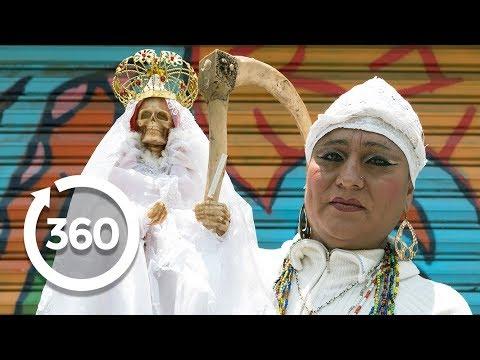 Meet the Guardian of Death | Mexico City, Mexico 360 VR Video | Discovery TRVLR