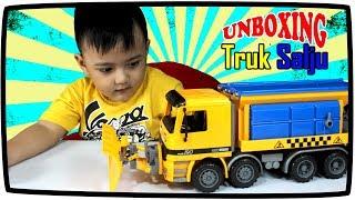 Video Unboxing Mainan Anak Mobil Truk Salju Snow Plow Truck download MP3, 3GP, MP4, WEBM, AVI, FLV Agustus 2018
