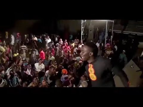 Masanja Mkandamizaji- Kemea Pepo Live performance