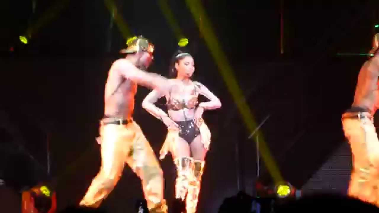 Nicki minaj anaconda live - 1 part 6