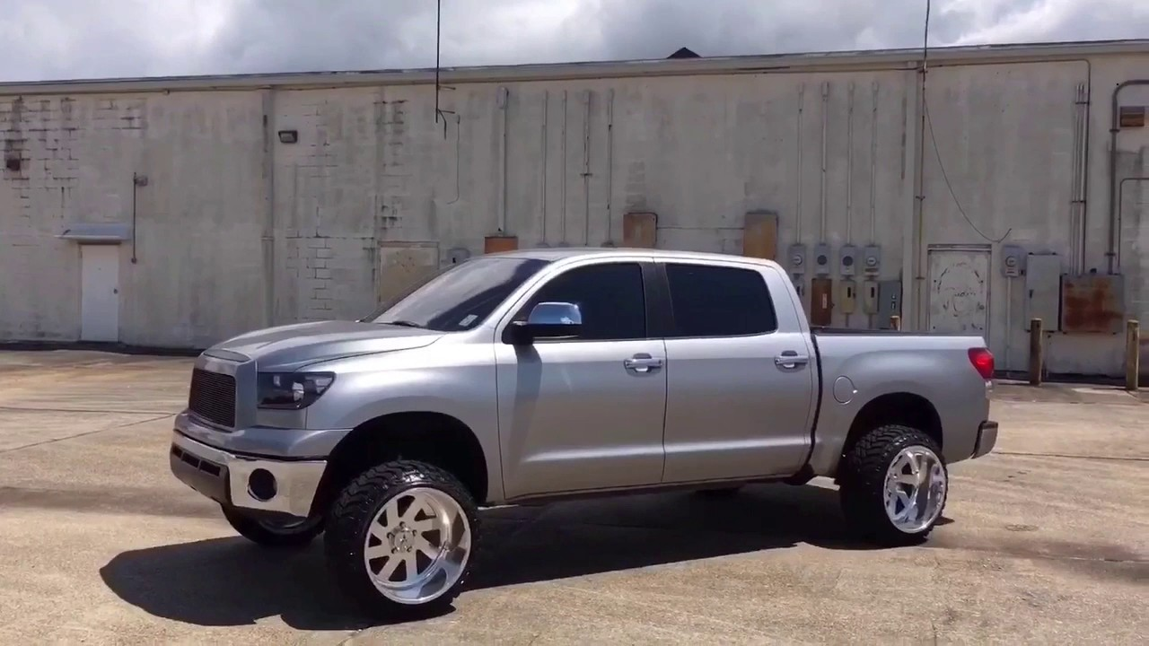 Toyota tundra on american forces 22x14 - YouTube