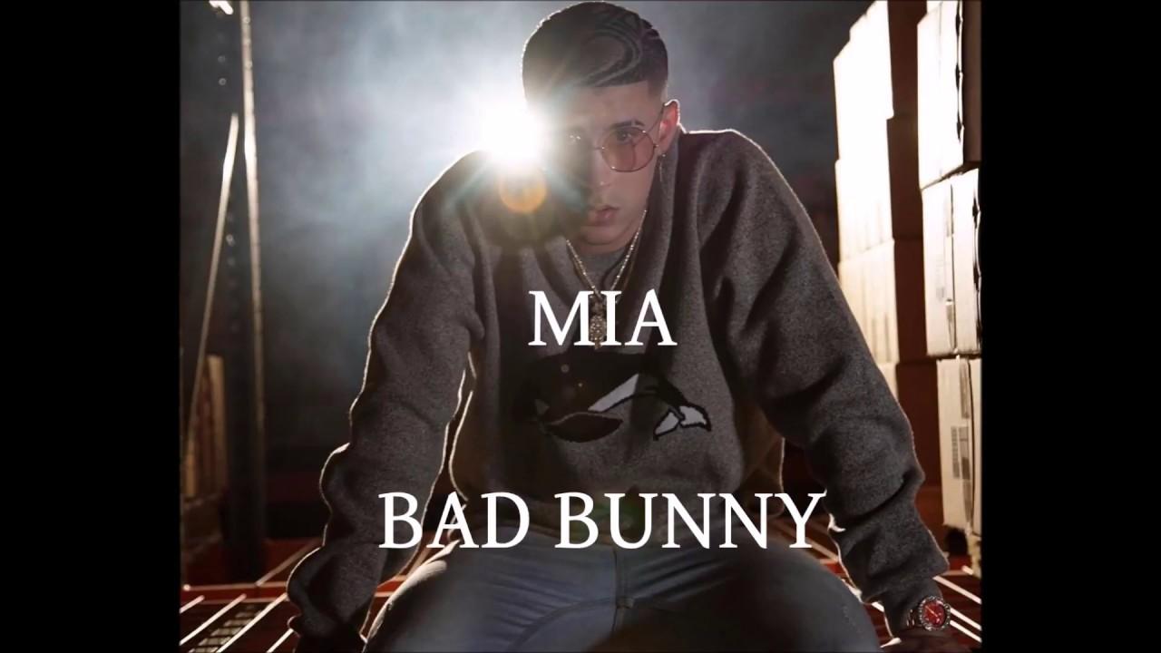 BAD BUNNY- MIA