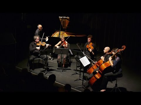 W.A. Mozart - Piano concerto K414, with string quintet (complete)