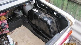 Бензобак ВАЗ 2106 снятие ремонт и установка. Воняет бензин возле топливного бака...(Топливный бак ВАЗ 2106 снятие ремонт и установка. Воняет бензин - наверное придется снимать..., 2014-03-07T16:52:01.000Z)