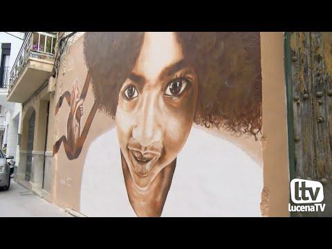 VÍDEO: Un mural rinde homenaje a Infancia Solidaria en la calle el Agua.