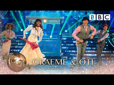 Graeme and Oti Theatre Jazz to 'The Trolley Song' by Meet Me In St. Louis - BBC Strictly 2018