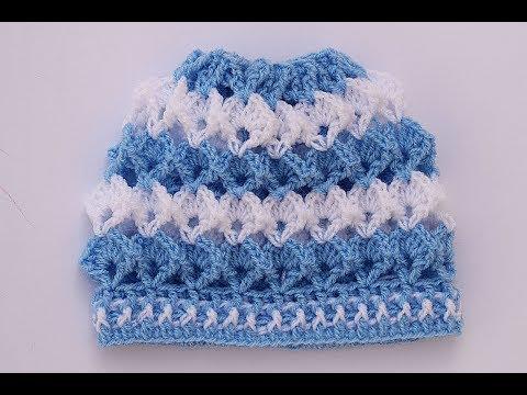 Gorro de bebe  a crochet  a juego con trajecito muy fácil y rápido
