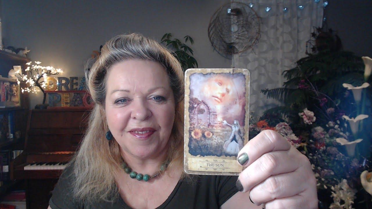 TILLY TAROT - Professional Tarot Card Reader & Writer - www.tillytarot.com