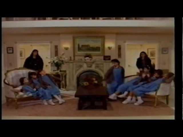 Todo todo - Chiquititas - Romina Yan y Elenco [HD] Travel Video