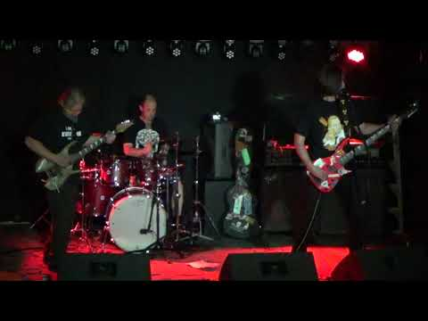 BumTucK - Live at Maggots Memorial