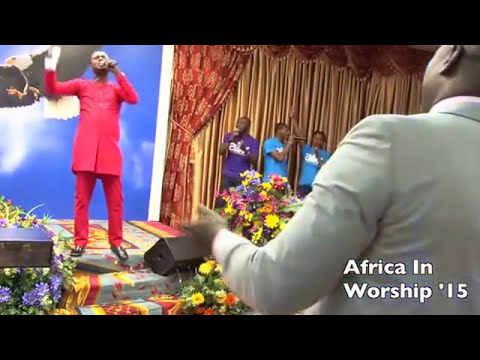 Ernest Opoku Jnr worships at Africa In Worship 2015, Chicago