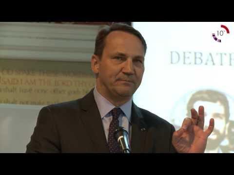 Debate: Radosław Sikorski vs. Andrzej Nowak on Polish foreign policy