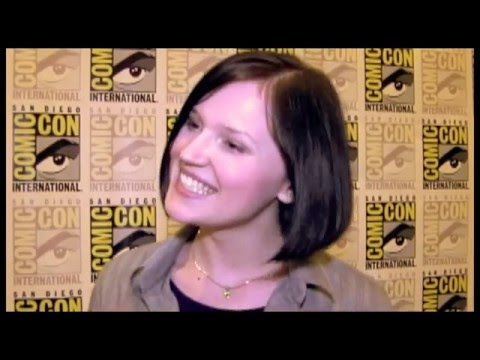 Veronica Roth Interview - Divergent - YouTube