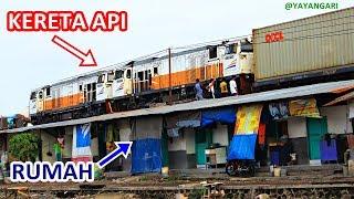 hanya ada di indonesia kereta lewat atap rumah