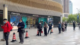 Wuhan shopping centers reopen for the first time after two-month lockdown