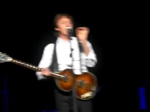 Paul McCartney chats about Yesterday - Las Vegas - April/19/2009