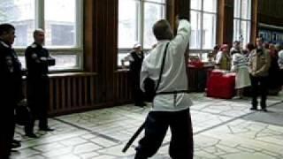 уральский казак дает уроки шашка.avi