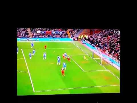 Thibaut Courtois amazing double save vs Liverpool!