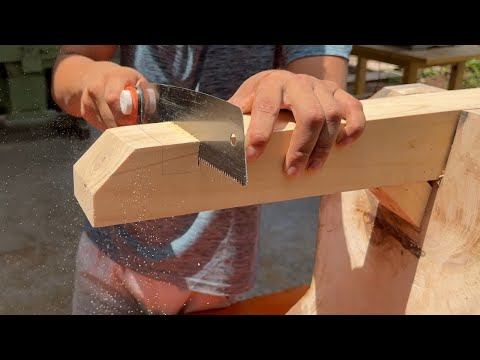 Design A Wonderful Table Full Of Art // Using Old Wood And Effective Working Skills