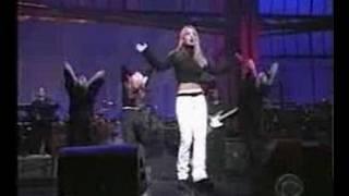 Britney sings