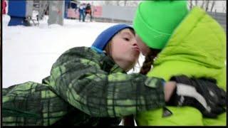 Даня целует Кристи . Danya&Kristy