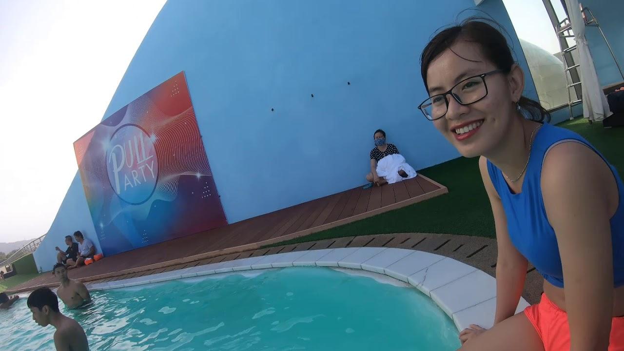Khám phá bể bơi của Pullman Hotel Vũng Tàu.
