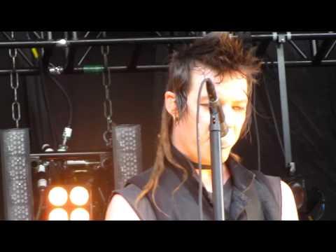 Nine Inch Nails - Im Afraid of Americans Live @ Santa Barbara Bowl 5/21/09 in HD