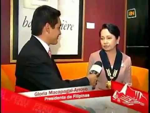 Presidenta de Filipinas Gloria Macapagal Arroyo hablando español