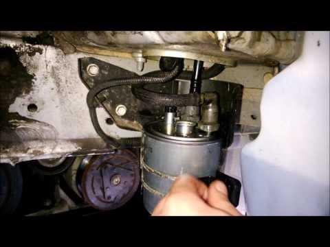How to change fuel (diesel) filter on Renault Laguna MK3 2.0 dci. Как поменять топливный фильтр.