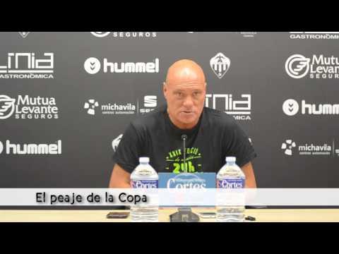 Rueda de prensa de Calderé previa al encuentro ante el Acero en el Fornàs (04/09/2015)