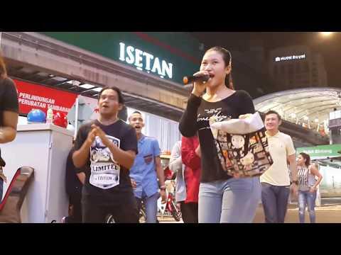 cicak rowo-Nurul feat redeem buskers,happy dangdut