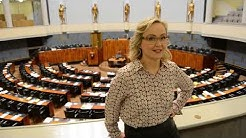 Kansanedustaja Eeva-Johanna Eloranta kertoo työstään