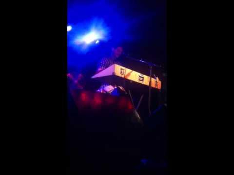 Andy bull - dog (live)