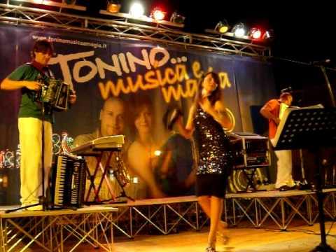 Tonino, musica e magia.