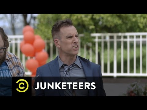 Junketeers E2 - Blast From the Past with Gillian Jacobs