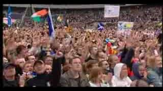 Repeat youtube video The Proclaimers 500 Miles (live 8)