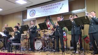 2014年12月6日に埼玉県朝霞市の陸上自衛隊広報センター(りっくんランド)で開催された東部方面音楽隊とアメリカ陸軍第1軍団軍楽隊のフレンドシップコンサート。