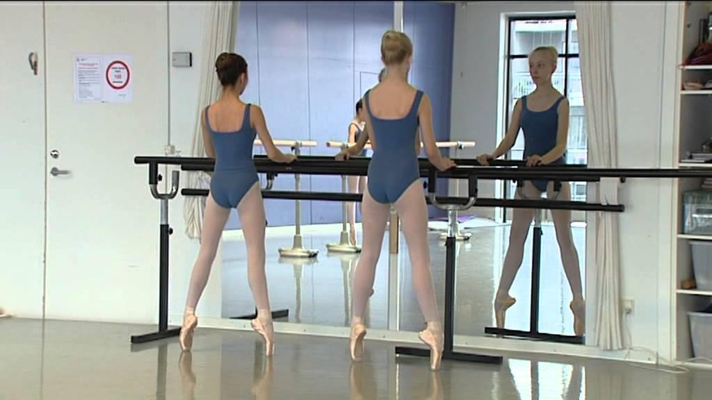 Det Kongelige Teaters Balletskole i Holstebro - YouTube