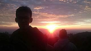 Sunrise bukit sikunir  dieng