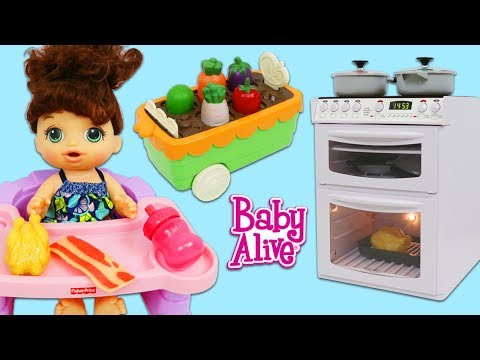 cooking-and-cleaning-with-baby-alive-and-pretend-sink-&-oven-kitchen-appliance-toys!
