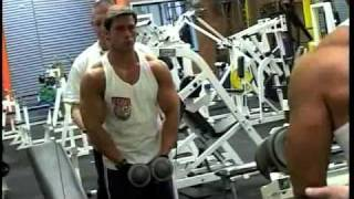 Max's MuscleTV - Dominic Cannizarro Trains Shoulders