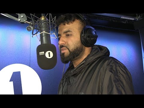 Hussain Manawer performs 'The White Rose' live