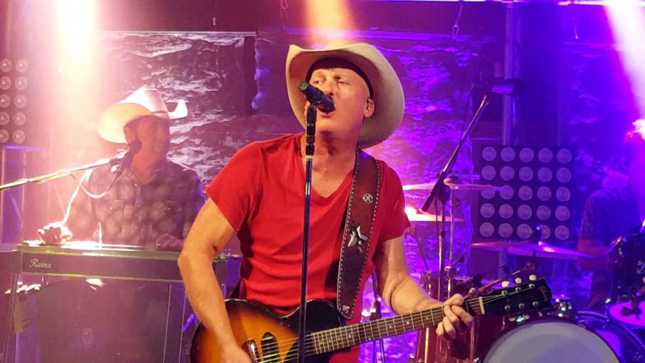 Kevin Fowler Triple Crown Live At Electric Cowboy Longview Tx